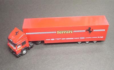 フェラーリF1用トランスポーター ヘルパ 1/87