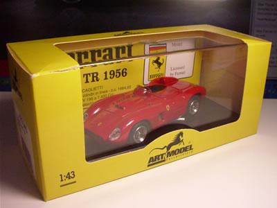 アートモデルのフェラーリ500TRのミニカー。サイズは1/43。