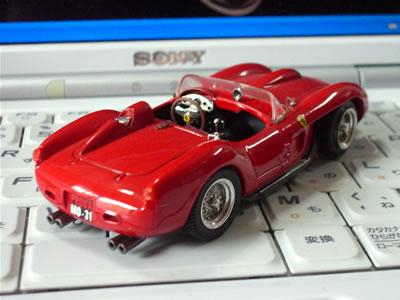フェラーリ250テスタロッサ(Bang1/43)。後姿も悩ましい。