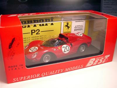 ベストモデルの「フェラーリ330P2」。1/43のミニカーです。