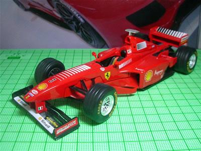 1998年のF1グランプリを戦った3リッターV10エンジンの「F300」。