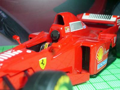 1997年のF1グランプリを戦った3リッターV10エンジンの「F310B」。3リッターV10エンジンから命名。