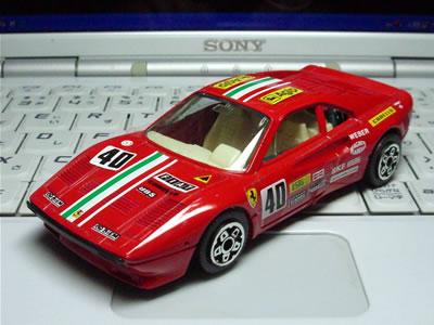 ブラーゴ(1/43)。フェラーリ288GTO。