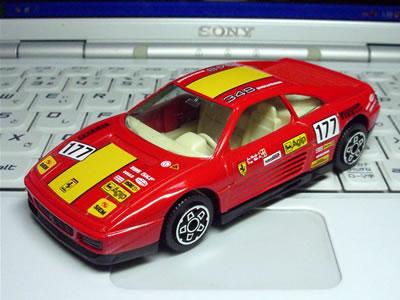 ブラーゴの1/43サイズのミニカー「フェラーリ348tbエヴォルツォーネ」