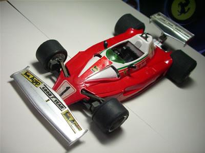 画像はエイダイグリップの1/20サイズミニカー「フェラーリ312T2」です。