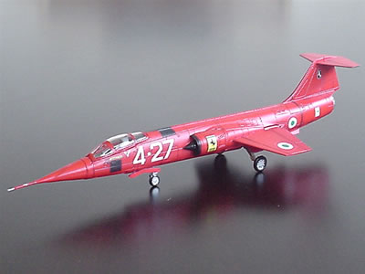 フェラーリのF104Gスターファイタースペシャルマークです。イタリア空軍で使用された機体に跳ね馬マークの入ったスペシャルモデル。