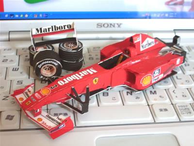 ペーパークラフトフェラーリF1-2000のその後。もう少しなんだけど・・・。