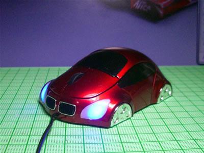 折角、赤いマウスを頂いたわけだし、何とかフェラーリ仕様にしてみたい!
