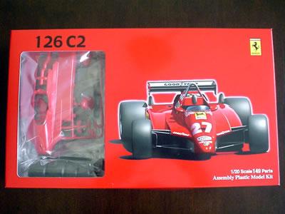 フジミ模型のフェラーリ126C2のプラモデル「サンマリノ仕様」。パッケージは至ってシンプル。