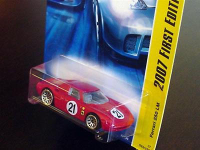 ホットウィールのベーシックカー「フェラーリ250LM ゼッケン21」をようやく入手です。