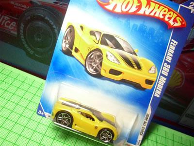 1/64サイズのベーシックカーのフェラーリ360モデナ。アメリカ本国パッケージ。
