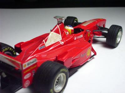 ミハエルが最後までチャンピオンの夢を見せてくれたマシン「F300」でした。