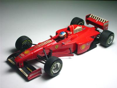ミニチャンプス(PMA:ポールズモデルアート)の 1/43サイズ。フェラーリF310Bのミニカーです。