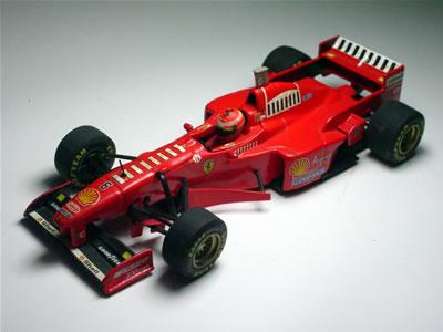 カーナンバー6。エディ・アーバインの1997年シーズンのマシン。