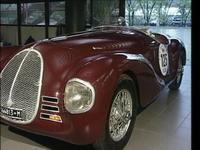 「815」フェラーリ創設前に「アウト・アビオ・コストルツィオーネ」という会社を興して1940年に発表したモデル。