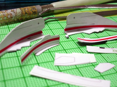 バージボードも制作。細かいパーツはボディーへの接着直前に作ります。