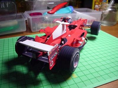 「フェラーリF2004」ペーパークラフト(1/20)