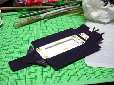 2008年2月に東京お台場のシェルミュージアムで購入してきた「フェラーリF2004」のペーパークラフト(1/20)。