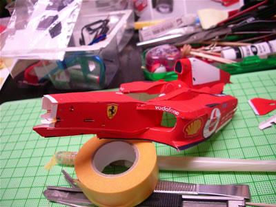 「フェラーリF2004」のペーパークラフト。だいぶカタチになってきました。
