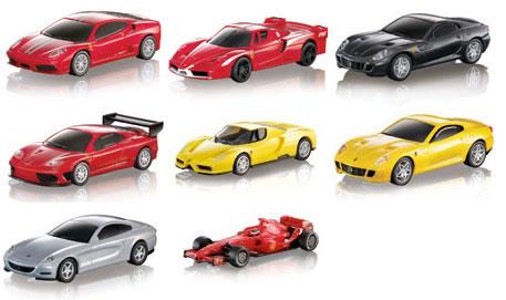 シェルのSSで給油するとこれらのフェラーリミニカーを購入できるらしいです。