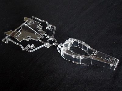 透明パーツにデカール貼った後ってクリヤ吹くのかな? 段差を消すために研ぎ出しするのかな?