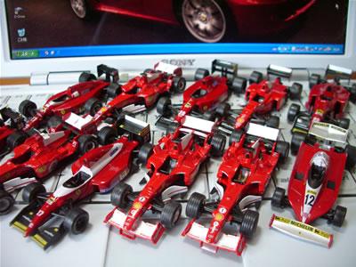 サークルK・サンクス限定京商フェラーリミニカー「フェラーリF1コレクション2」いろいろでございます。厳密には「第1弾」も少し混ざってますけど。