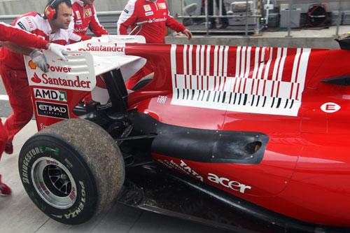 2010年中国GPフリー走行1 アロンソのエンジン壊れる・・・。