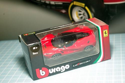 burago_64_laferrari_box_01.jpg