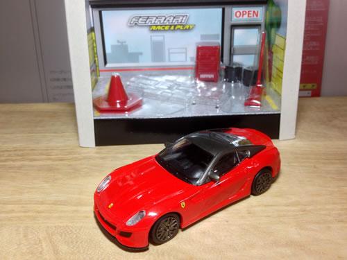 burago_race_play_43_599gto_red_package_002.jpg