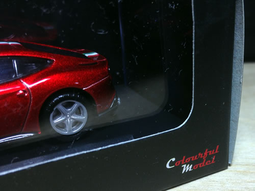colourfulmodel_ferrari_f12_package_01.jpg