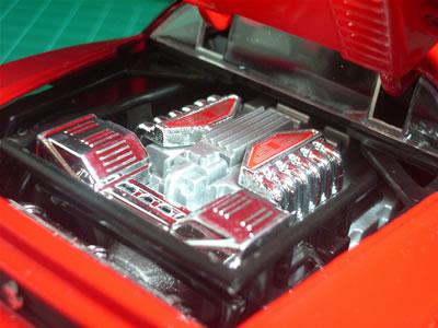 是非、一度実車の「赤頭エンジン」をじっくりと拝んでみたいものです。