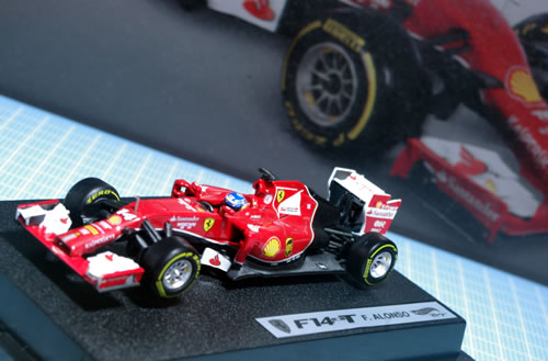 hw_43_f14t_14_alonso_front.jpg