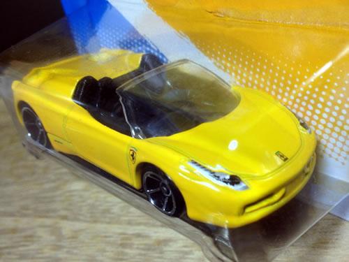 hw_64_458_spider_yellow_front.jpg