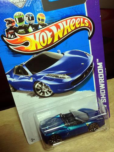 hw_64_ferrari_458spider_blue_package.jpg