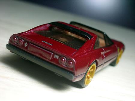 フェラーリレーサーは通常のベーシックカーと違い、ホイールがいいです。