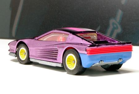 hw_64_testarossa_cal_custom_pink_rear.jpg