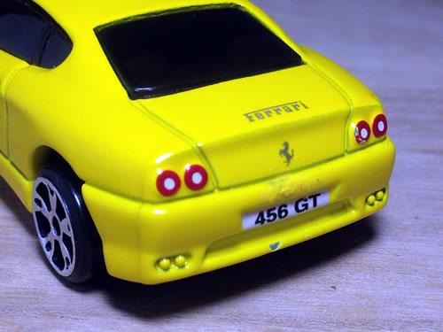 matchbox_61_ferrari_456gt_yellow_up.jpg