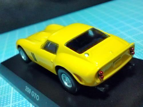 sunkus_ferrari_10_250gto_yellow_rear.jpg