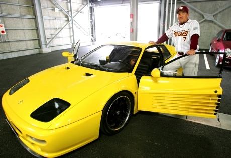 2007年に楽天オークションに自身が所有する「フェラーリF512M」を出品した際のもの。