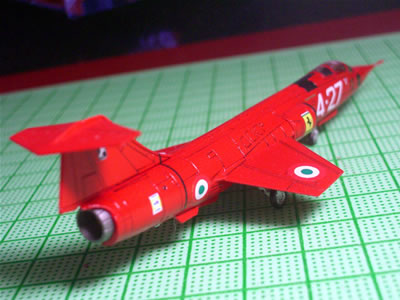 04_ftoys144_f104starfighter_ferrari_rear.jpg