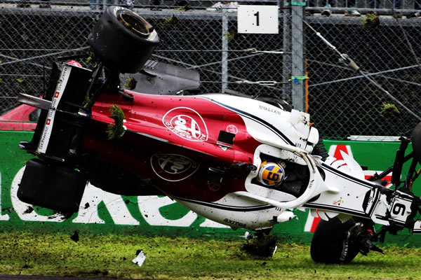2018_rd14_italian_gp_crash_02.jpg