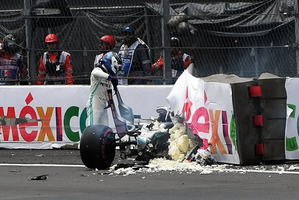 2019_rd18_mexican_gp_bottas_crash.jpg