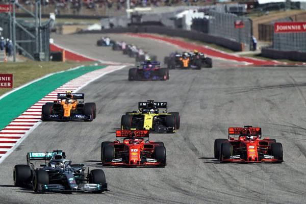 2019_rd19_usa_gp_race.jpg