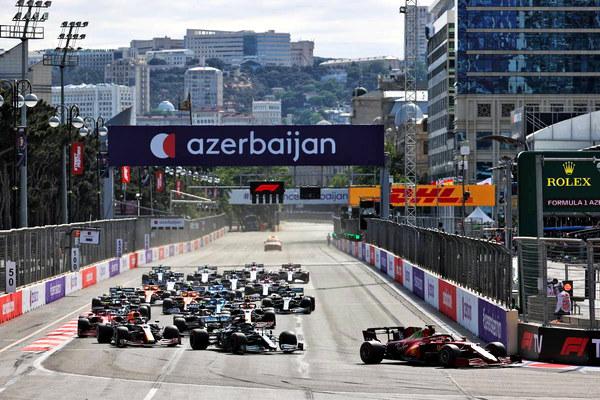 2021_rd_06_azerbaijan_gp_start.jpg