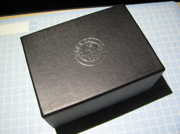 alfaromeo_paperweight_cube_01.jpg