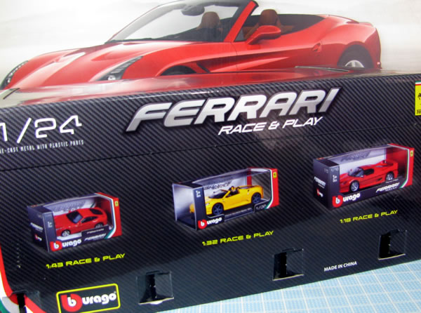burago_24_ferrari_california_t_box_03.jpg