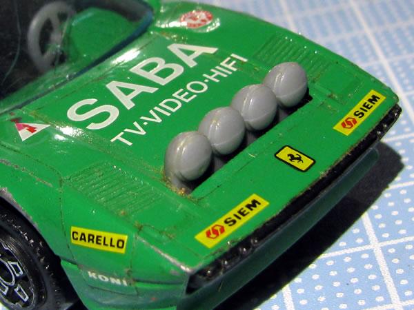 burago_43_308gtb_saba_32_green_lightpod.jpg