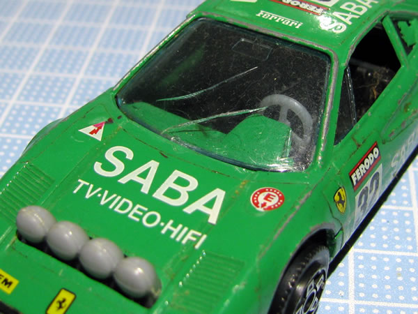 burago_43_308gtb_saba_32_green_window.jpg