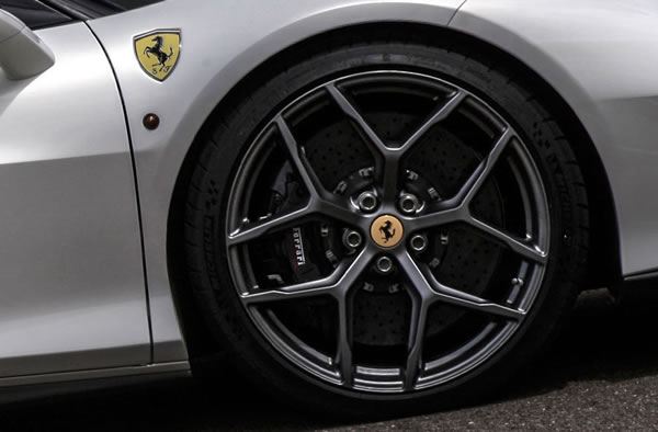 ferrari_458_mm_speciale_wheel.jpg