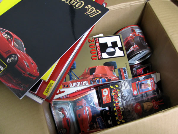 ferrari_goods_box_02.jpg